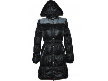 Dámský černý prošívaný kabát s kapucí TIMEOUT S