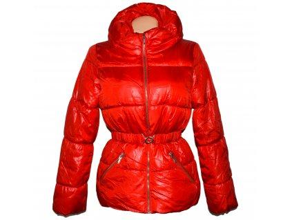 Dámský červený prošívaný kabát s páskem H&M 36