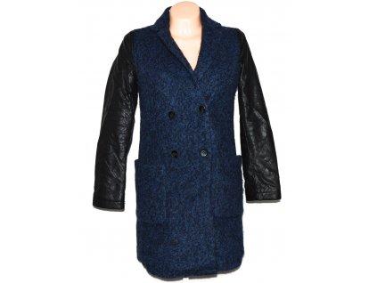 Vlněný dámský zimní modrý kabát s koženkovými rukávy Reserved 34