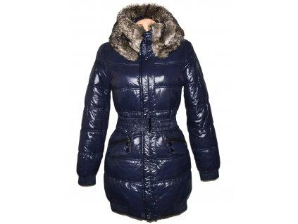 Dámský modrý prošívaný kabát s páskem a kožíškem Reserved 38