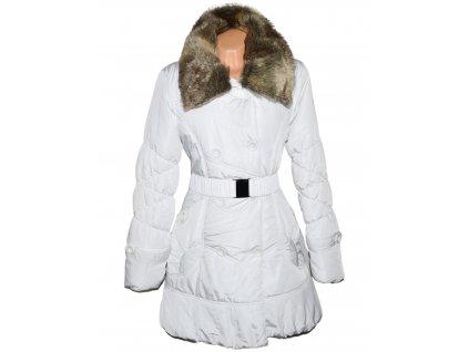 Dámský bílý prošívaný kabát s páskem a kožíškem L