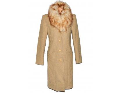 Dámský hnědý kabát s kožíškem M
