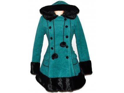 Dámský zateplený smaragdový kabát s kapucí, kožíškem M - s cedulkou