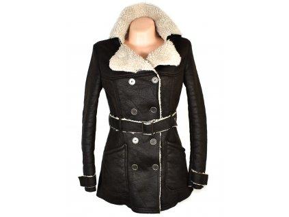 Dámský černý kabát s páskem a kožíškem Cocomore 36