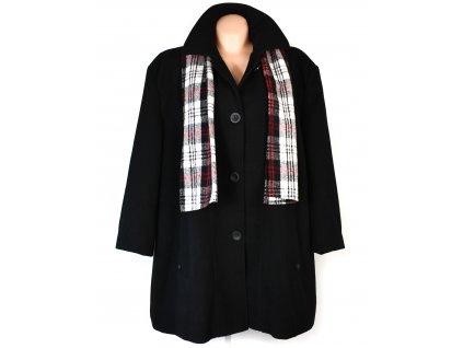Nadměrný dámský zimní černý kabát se šálou Prostějov 62