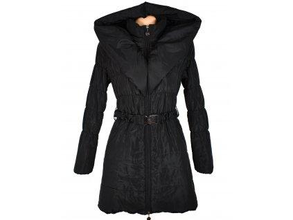 Dámský černý prošívaný kabát s páskem a límcem S