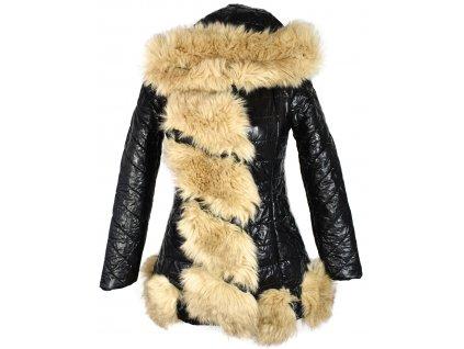 Dámský černý lesklý kabát s kožíškem XS
