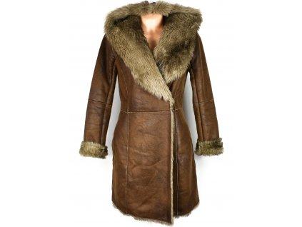 Dámský zimní hnědý kabát s kožíškem CAMAIEU S