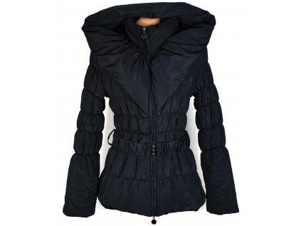 Dámský černý prošívaný kabát s páskem a kapucí L