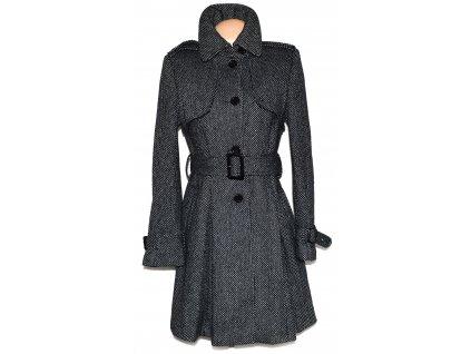 Dámský dlouhý černobílý puntíkovaný kabát s páskem GATE 36