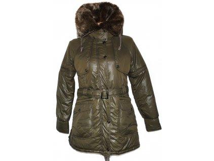 Dámský zelený šusťákový kabát s páskem a kožíškem FOREST S
