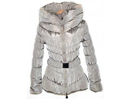 Dámský šusťákový béžový kabát s páskem a límcem S