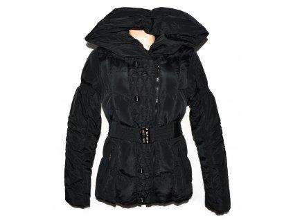 Dámský černý prošívaný kabát - křivák s pásekm a límcem Forest