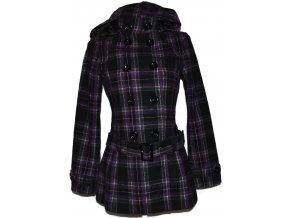 Dámský černo-fialový kabát s páskem a kapucí C&A S