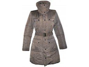 Dámský hnědý šusťákový kabát s páskem Reserved 40