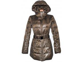 Péřový dámský hnědý kabát s páskem a kapucí Camaieu 1240