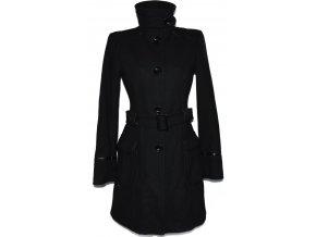 Vlněný dámský černý kabát s páskem ORSAY 36