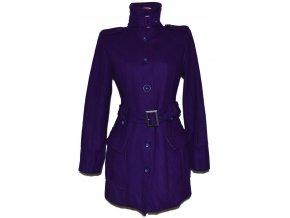 Vlněný dámský fialový kabát s páskem