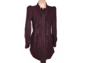 Vlněný dámský fialovovínový kabát s volány