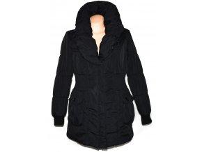 Dámský šusťákový černý kabát s límcem L