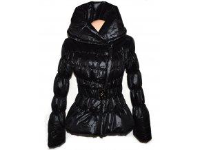 Dámský černý prošívaný kabát -  křivák s páskem S-M