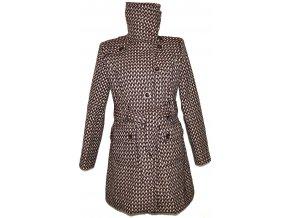Dámský vínový kabát s páskem ORSAY