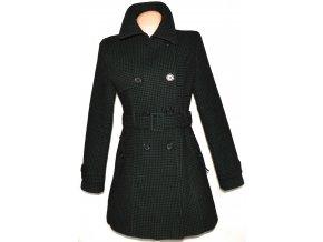 Dámský černo-zelený puntíkovaný kabát s páskem GATE M