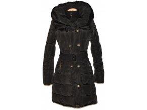 Dámský černý šusťákový kabát s páskem, límcem S