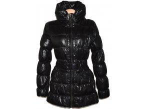 Dámský černý šusťákový kabát s páskem, límcem AMISU 38