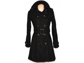 Vlněný dámský černý kabát s páskem RESERVED