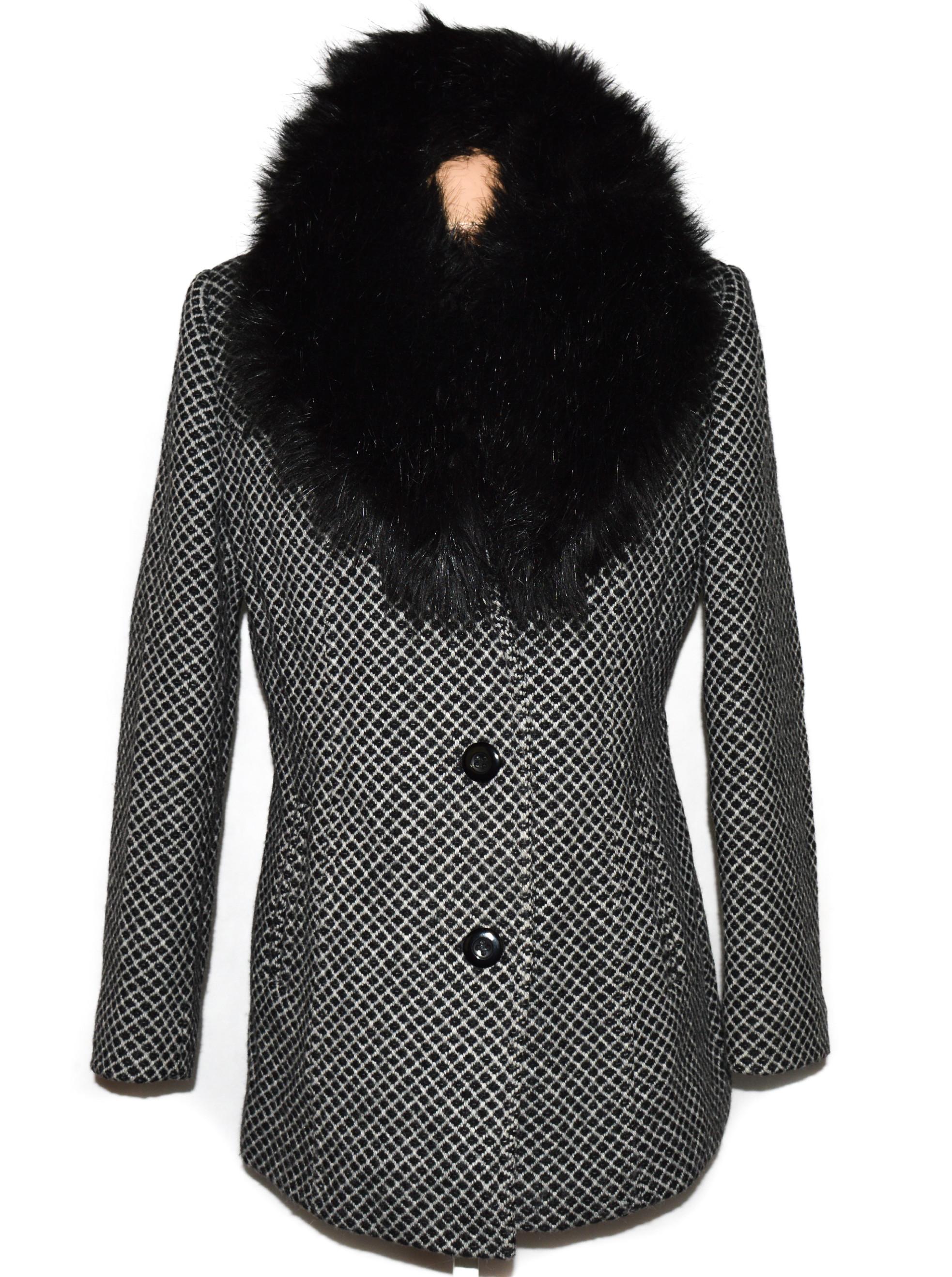 Vlněný (70%) dámský kabát s kožíškem ODEMA 46