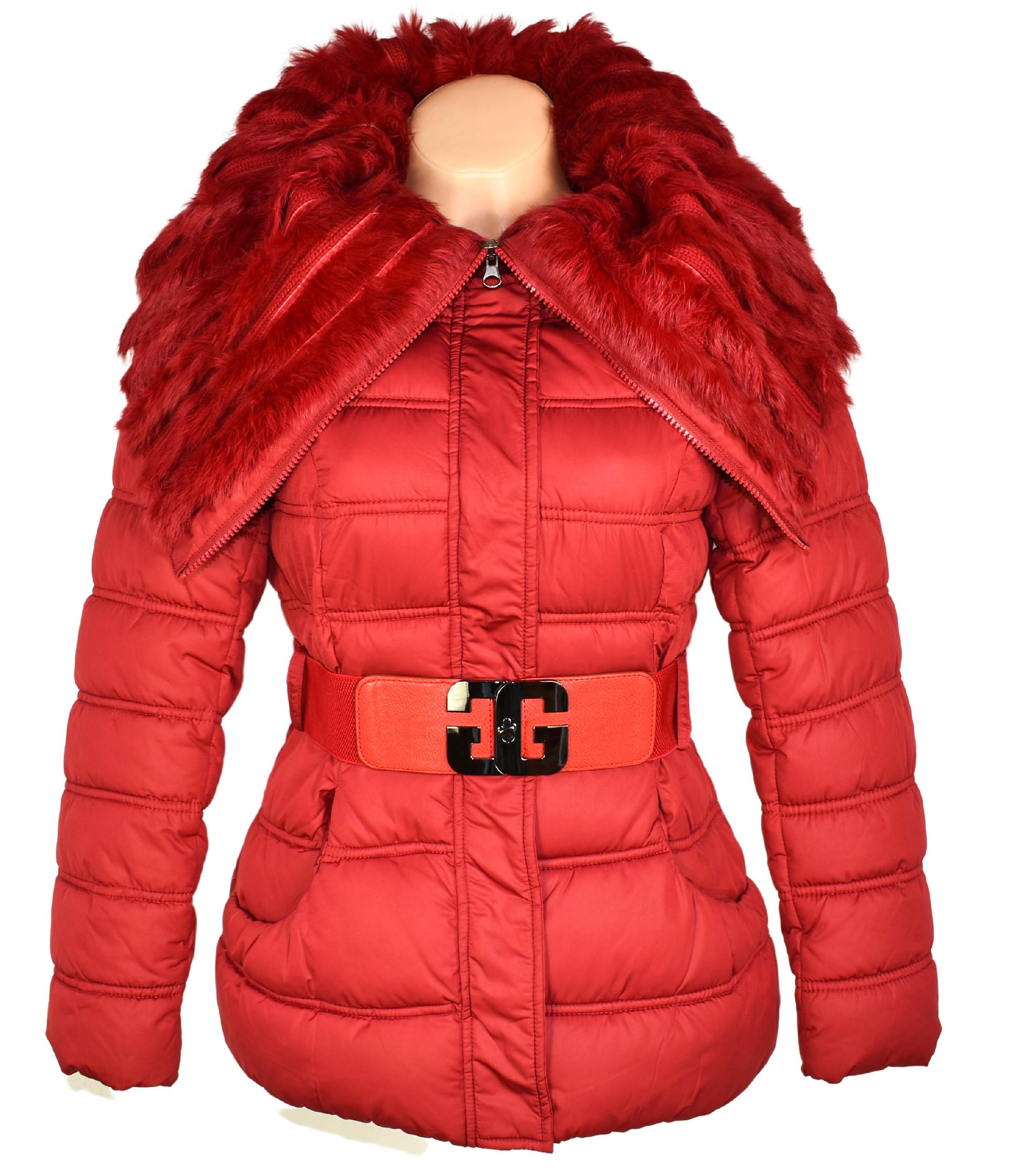 Dámský prošívaný kabát s páskem a límcem s pravým kožíškem Jones&Hennies S