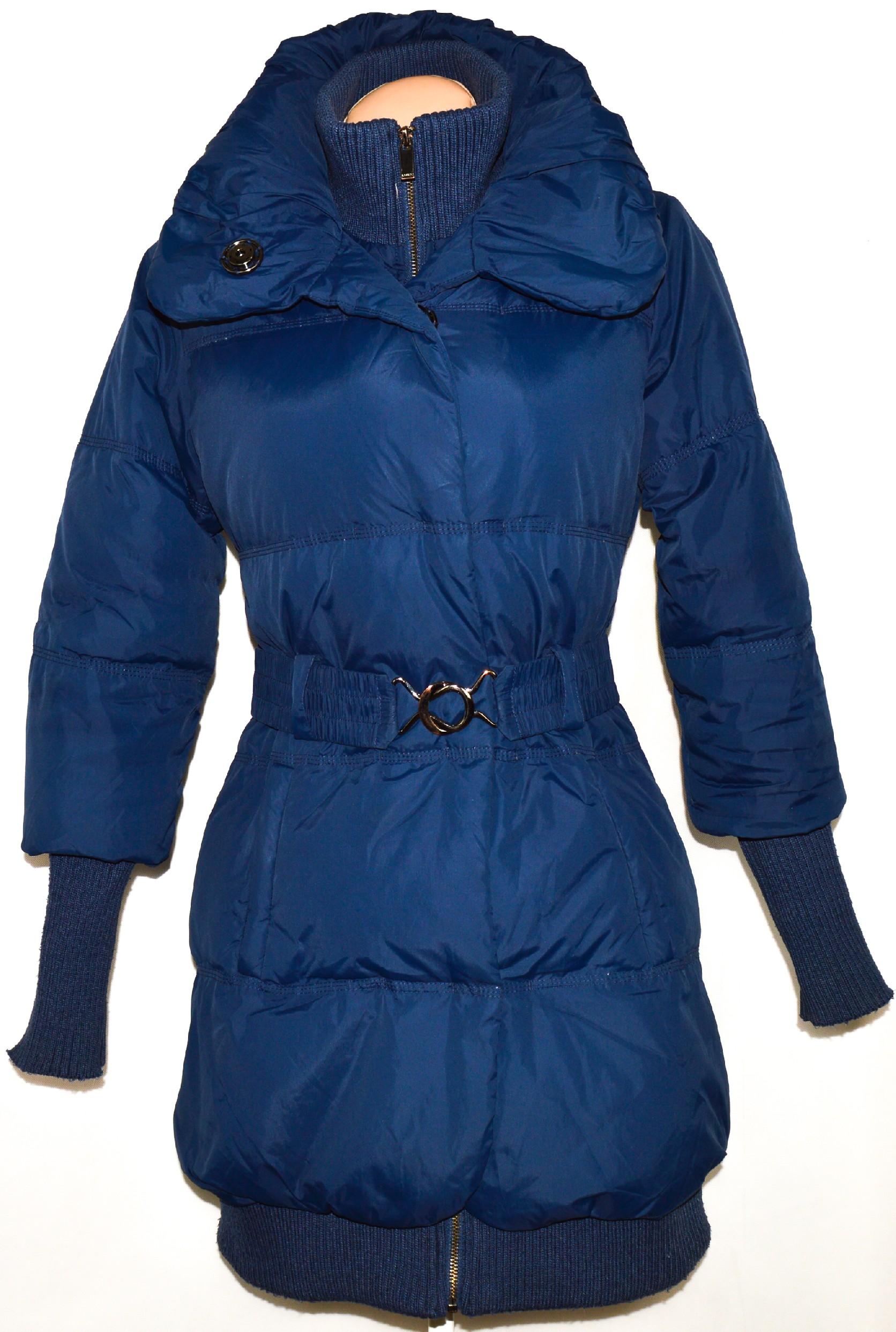 Péřový dámský šusťákový modrý kabát s páskem AMISU 36
