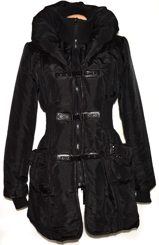 Dámský černý šusťákový kabát na zip, přezky M