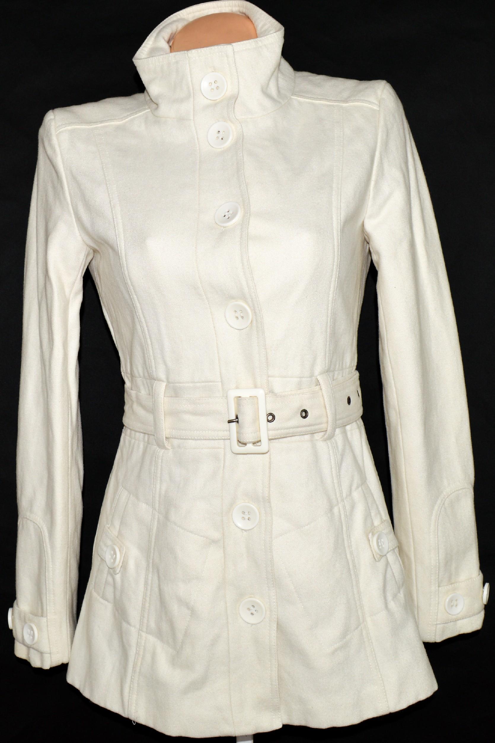Vlněný dámský smetanový kabát s páskem Clockhouse M 9d622a09037