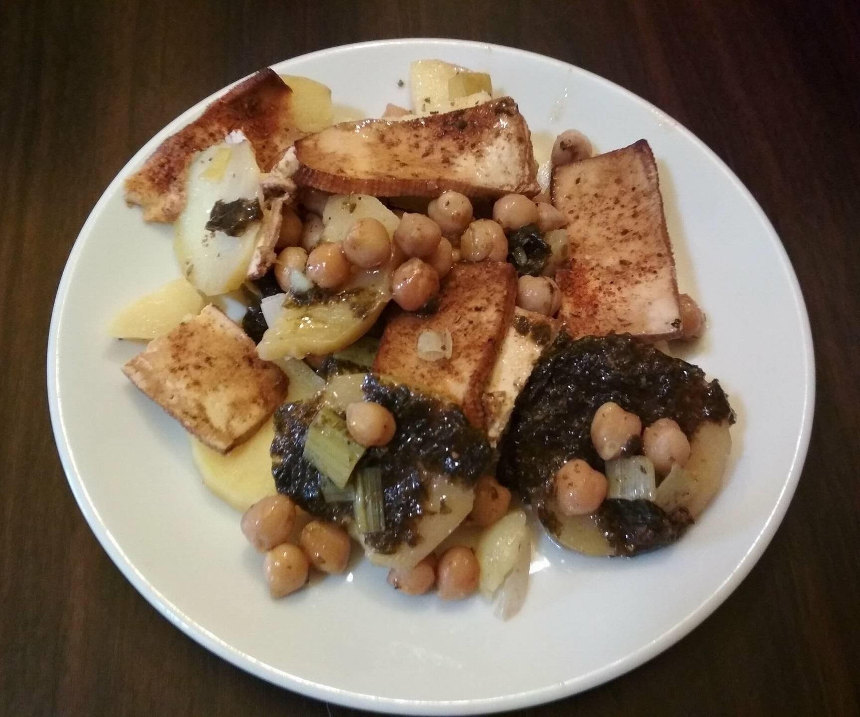 Zapečené brambory s cizrnou a mořskou řasou