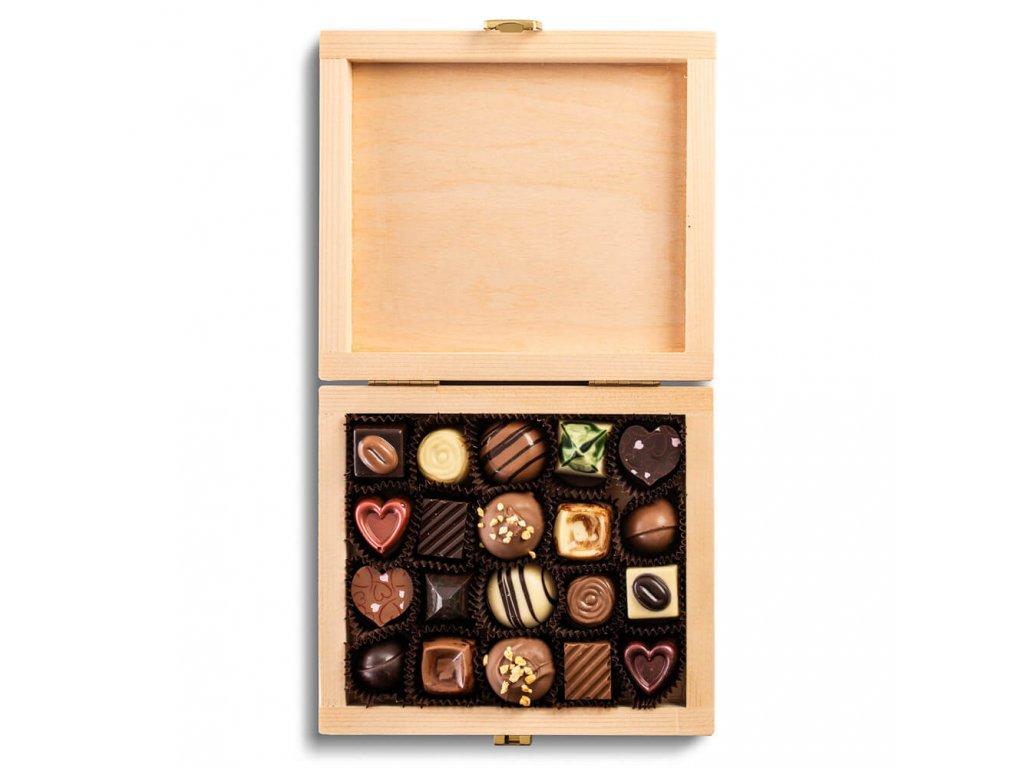 drevena krabicka pralinky bonboniera darek firemni s logem.jpg