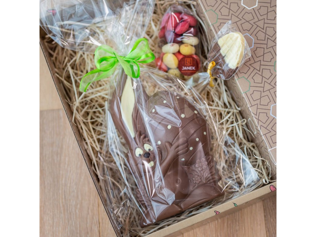 krasny velikoncni box plny cokolady janek.jpg