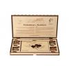 Dřevěná kazeta s čokoládou - vlastní svatební motiv, Čokoládovna Troubelice