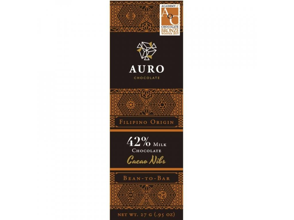 Auro Cacao nibs milk chocolate 42 27 gr front 800x800