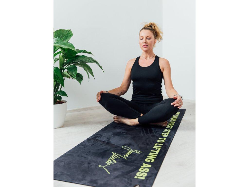 krainova_podlozka_cviceni_yoga