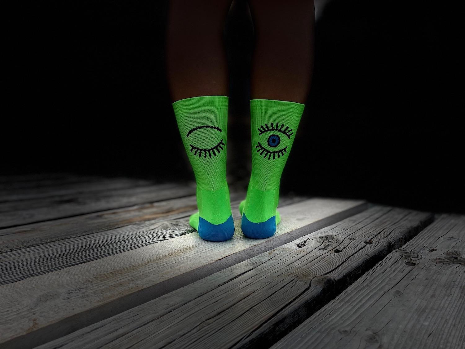 Budeš mrkat. Podívej se na naše nové sportovní ponožky.