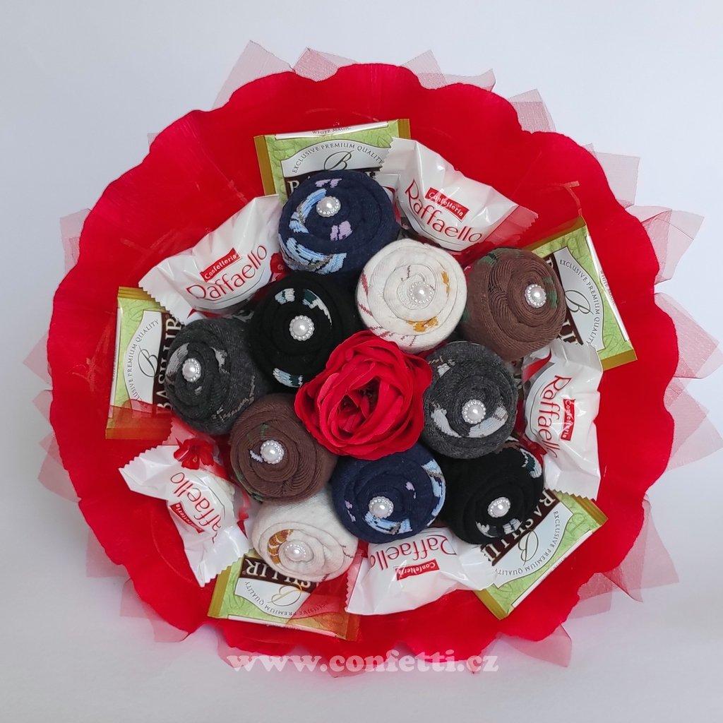 kytice z damskych ponozek do cervena 1
