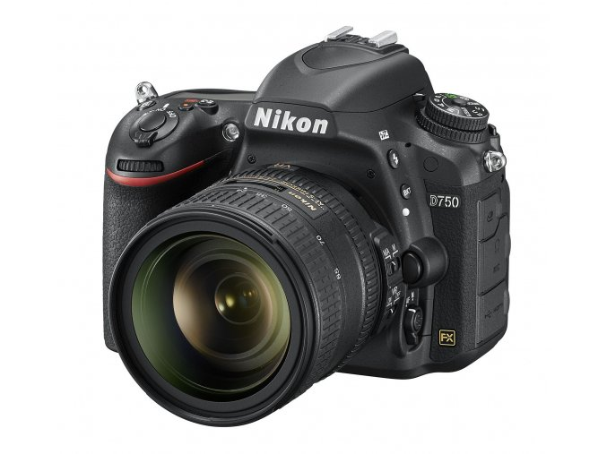 Nikon D750 tělo + 24-85mm VR
