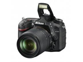Nikon D7200 + 18-105MM VR