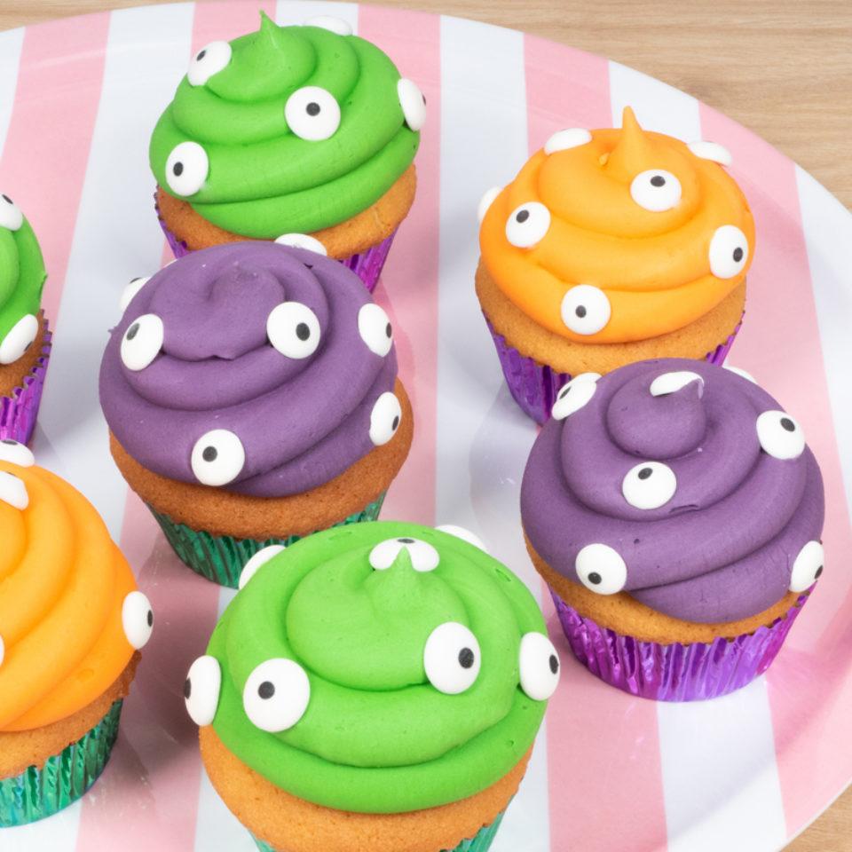 Halloween_spooky_eyes_cupcakes-960x960-c-default