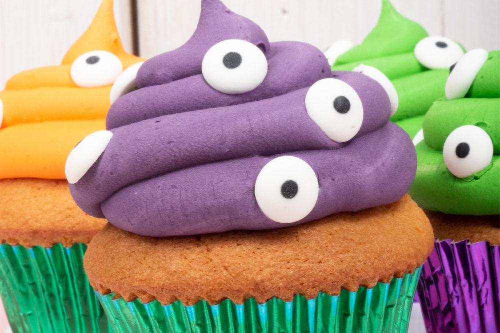 Halloween_spooky_eyes_cupcakes_2-1000x667