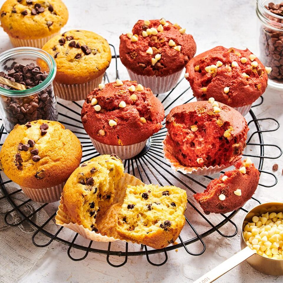 Red-velvet-muffins-with-white-chocolate-drops-960x960-c-default