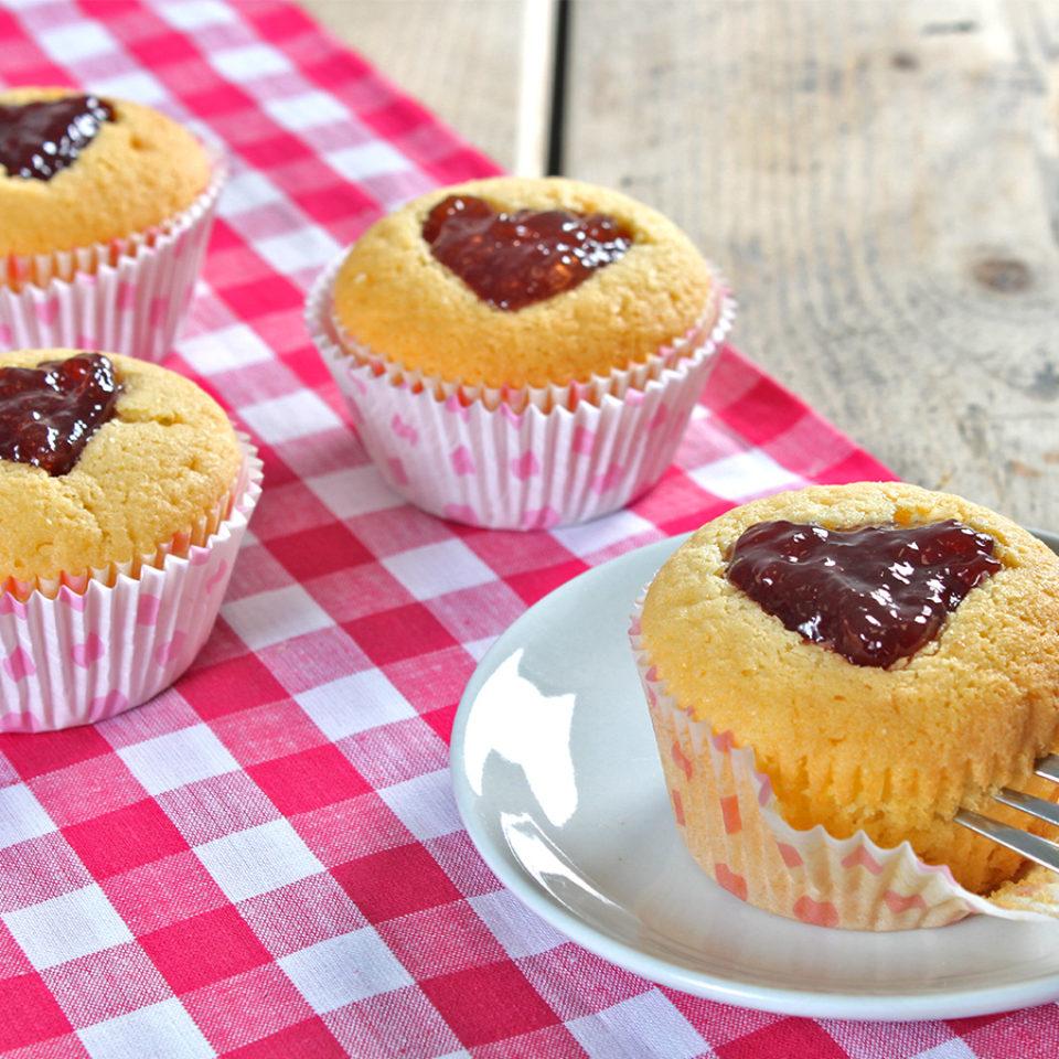 gevulde-hartjes-cupcakes-website-1-960x960-c-default