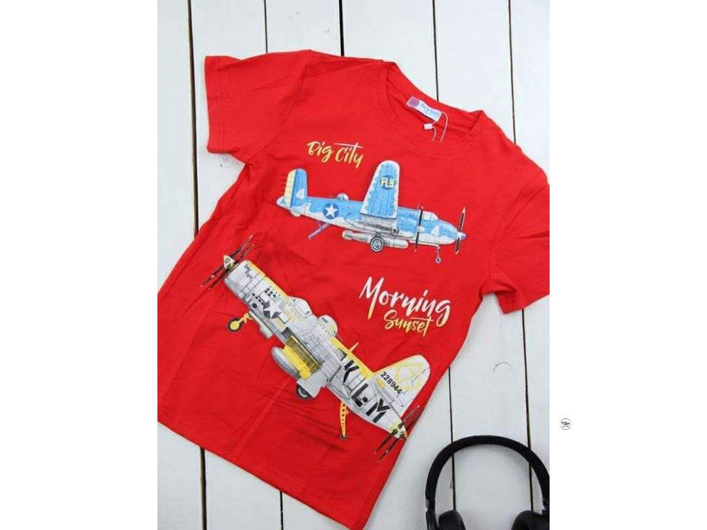 Chlapecké triko červené s letadly
